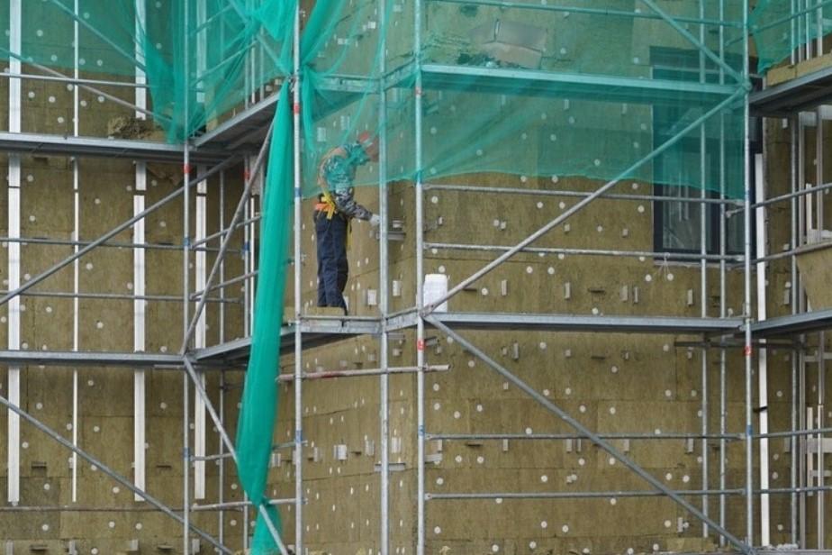Фасадные работы на онкоцентре в Калининграде завершатся до ноября